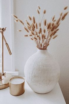 Living Room Designs, Living Room Decor, Bedroom Decor, Entryway Decor, Living Rooms, Home Decor Vases, Cheap Home Decor, Plant Decor, Gold Home Decor