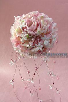 De theorie van de bloemenhandel. Bloemisterij Basics lezingen:. Foto masterclass. Wedding bouquet-sphere