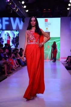 IBFW gown sari, concept sari, cocktail, engagement, ,Zanaaya , India fashion week