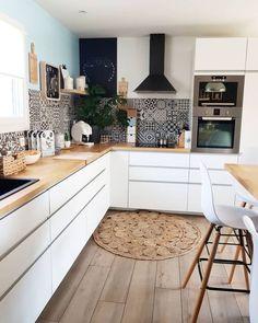 Home Decor Kitchen, Kitchen Interior, New Kitchen, Ikea Kitchen Storage, U Shaped Kitchen, Küchen Design, Beautiful Kitchens, Sweet Home, Kitchen Cabinets