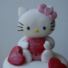 Para a princesinha Popotinha como os pais lhe chamam um bolo da Hello Kitty, a sua bonequinha favorita!, via Flickr.