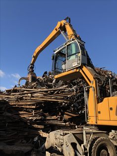 Scrap Recycling, Recycling Ideas, Spanish Armada, Mining Equipment, Toys For Boys, Layout, Yard, Big Boys, Metal