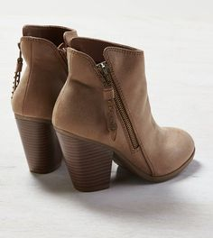 I just picked these up for a steal! Can't wait to wear them. Tan AEO Side Zip Bootie