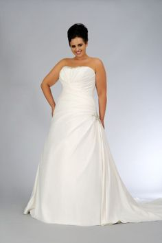 Style sv1615 | Strapless a-line Bridal Gown for Plus Size Bride