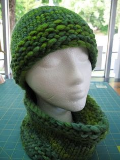 A blog about knitting, hand dyed yarns, soap making, and crafts.