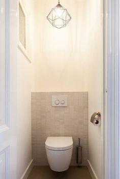 Foto's van een moderne badkamer: toilet | homify