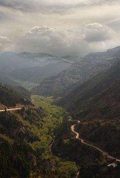 Datei:Vouraikos-Gorge Peloponnese.jpg