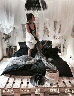 10 idées ingénieuses pour une déco tendance et pas chère ! Vous voulez meubler votre appartement ou votre maison de façon hyper cool mais pas chère ? On a la solution ! On vous donne tous nos conseils pour des idées déco pas cher. #aufeminin #déco #décoration #astucesdéco #décopascher #diy #idéesdéco #décochambre #palettes #boho #bohème #gipsy
