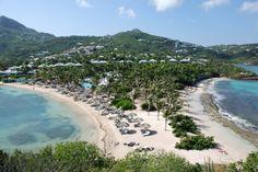 """St. Barts, of eigenlijk volledig """"Saint-Barthélemy"""" is een eiland in de Caraibische Zee. Zuidoost van Sint Maarten, en ten noordwesten van Saint Kitts. Het eiland is zeer klein, maar de stranden zijn er zeker niet minder mooi op. Het is een eiland voor mensen die van luxe houden."""