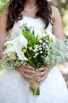 Rustic Sun Valley, Idaho Wedding | #Bouquet | See more on SMP: http://www.stylemepretty.com/idaho-weddings/sun-valley/2014/02/03/rustic-sun-valley-idaho-wedding/ Tana Photography