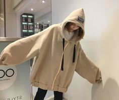 Raincoats for Women Korean Fashion Trends, Korean Street Fashion, Pretty Outfits, Cool Outfits, Casual Outfits, Girl Fashion, Fashion Outfits, Raincoats For Women, Hoodie Outfit