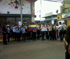 #Maturin #Protestas #Liceo #LuisBeltranPrietoFigueroa #PrayForVenezuela #SosVenezuela......Venezuela , Te Amo <3 , pronto seras libree .