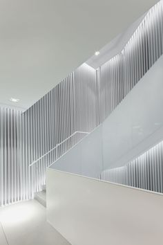 Universal Design Studio is an award winning architecture and interior design practice based in London. Interior Stairs, Interior Architecture, Interior And Exterior, Stair Handrail, Railings, Stair Lighting, Modern Stairs, Staircase Design, Stair Design