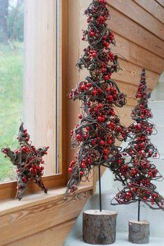 Very Berry Christmas Christmas Love, Christmas Design, Country Christmas, Christmas Projects, Beautiful Christmas, Christmas Holidays, Christmas Wreaths, Crismas Tree, Natal Country
