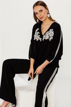 ac51caf505adc Şeritli Siyah Bluz #bluz #blusa #women #womensfashion #siyah #black #