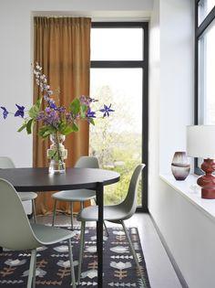 Åhlens hösten 2019 ‹ Dansk inredning och design Dining Bench, Curtains, Places, Inspiration, Furniture, Design, Home Decor, Blog, Insulated Curtains