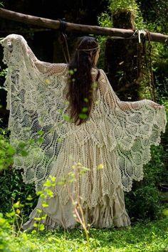 crochet bat wings in hippie style. Need this pattern! Gypsy Style, Boho Gypsy, Hippie Style, Hippie Boho, Bohemian, Hippie Chick, Shawl Crochet, Crochet Bat, Crochet Fairy