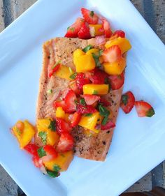 Foodie  Fabulous: Strawberry Mango Salsa with Baked Salmon