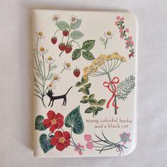 Essa estampa da capa para passaporte foi criada pelo designer e ilustrador Shinzi Katoh. Não é um amor? - Loja finé - www.lojafine.com