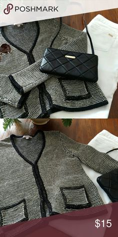 Cardigan black white with golden thread Junior L Romeo & Juliet Couture Cardigan Junior sz L or Regular M (Some pilling of the green thread but you have to be really close to see it) Romeo & Juliet Couture Sweaters Cardigans