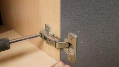 Szekrény ajtó beállítás gyorsan és egyszerűen! - Green Cottage DIY Door Handles, Doors, Handmade, Crafts, Home Decor, Hand Made, Manualidades, Decoration Home, Room Decor