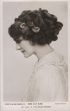 vintage everyday: A Collection of 70 Beautiful Vintage Portrait Photos of Lily Elsie from the through the Edwardian Hairstyles, Vintage Hairstyles, Girl Hairstyles, Wedding Hairstyles, Belle Epoque, Edwardian Era, Edwardian Fashion, Vintage Fashion, Vintage Style