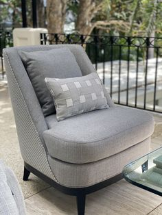 Luxury outdoor furniture that brings style and comfort with unparalleled durability. Outdoor Armchair, Outdoor Chairs, Outdoor Furniture, Commercial Furniture, Innovation Design, Luxury Fashion, Projects, Style, Stylus