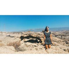 "38 Me gusta, 2 comentarios - •         M         • (@nowlivinglife) en Instagram: ""Wind is coming 🎧 #goodmorning #desert #sand #alone #hot #nature #arcodetajao #archeology #tenerife…"""