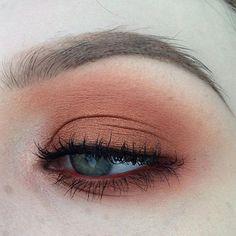 🍁 - eyeshadows in peach smoothie, morocco & foiled eyeshadow in flame thrower, - eyeshadows in brown script,… Makeup Geek, Clown Makeup, Cute Makeup, Simple Makeup, Makeup Inspo, Natural Makeup, Makeup Inspiration, Makeup Tips, Beauty Makeup