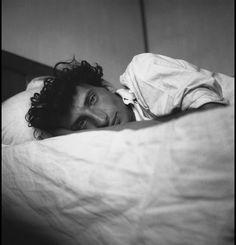 © Edouard Boubat (1923-1999), Self, 1948. https://www.facebook.com/pages/Le-Seuil-et-lHorizon/300782323265464