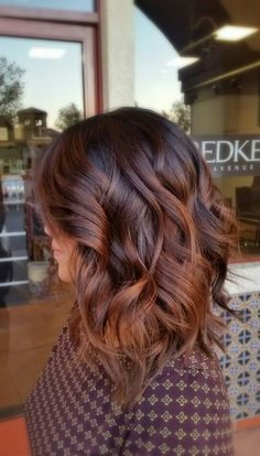 ▷ Trendige Frisuren - mоderne Haarfarben und Haarschnitte - coole frisuren, mittellange, braune, lockige haare, moderne haarschnitte Effective pictures we prov - Modern Hairstyles, Winter Hairstyles, Cool Hairstyles, Modern Haircuts, Hairstyles Haircuts, Latest Hairstyles, Trendy Haircuts, Medium Haircuts, Curly Haircuts
