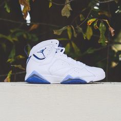 5089d0f38e269b Here is a closer look at the French Blue edition of the Air Jordan 7 Retro.
