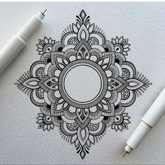 Mandala tattoos have been popular around the world for many years, and now its trend is getting higher and higher. mandala comes from Hinduism and Buddhism, and many people choose it as a tattoo design because it looks delicate and beautiful. Art Drawings, Art Tattoo, Mandala Tattoo Design, Doodle Art, Mandala, Mandala Design Art, Zentangle, Geometric, Tattoo Designs