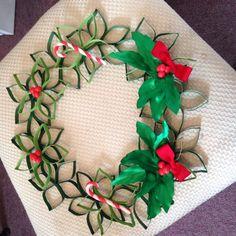 Christmas decoraciones echas con rollos de papel de baño