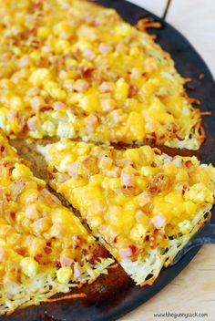 Hashbrown Crust Breakfast Pizza