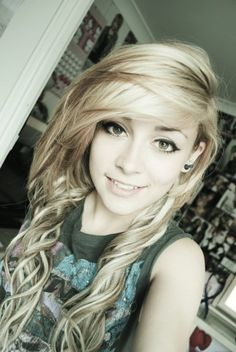 In all honesty, I wish I could do this with my hair. If only my hair wasn't a naturally curly tangled frizzy mess.