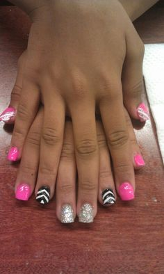 Pink and black nail art, Death The Kid woul be happy, it's symmetrical. (My role model 4 life)