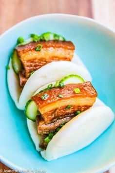 Chinese Five Spice Pork Belly - Convert to a sous vide recipe. Pork Belly Bao, Pork Belly Slices, Sous Vide Pork, Traditional Chinese Food, Steak Dinner Sides, Chinese Pork, Pork Belly Recipes, Pork Buns, Pita