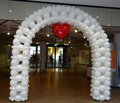 Pin by debbie suarez on balloon decor in 2019 воздушные шары Balloon Gate, Ballon Arch, Deco Ballon, Love Balloon, Balloon Columns, Balloon Ideas, Balloon Arrangements, Balloon Centerpieces, Birthday Balloon Decorations