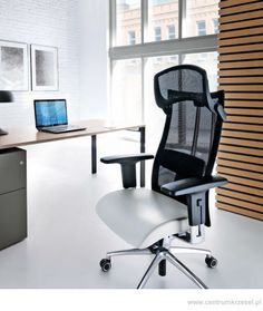 Fotel Action #krzeslo #biuro #aranzacja #wystroj #chair #office #comfort #clean #black #ergonomy #furniture #design