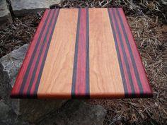 33 Ideas for wood board food butcher blocks Woodworking Guide, Custom Woodworking, Woodworking Projects Plans, Teds Woodworking, Diy Cutting Board, Wood Cutting Boards, Chopping Boards, Support Telephone, Wood Art