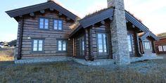 Et lite utvalg av våre 500 bygde hytter Scandinavian Home, Rustic Elegance, Log Homes, Country Style, Exterior Design, Mansions, Architecture, House Styles, Houses