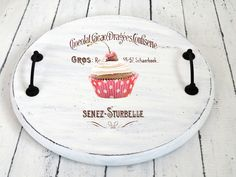 Dreams Factory: Vintage & Shabby French Made tray Decoupage Vintage, Decoupage Paper, Vintage Crafts, Shabby Vintage, Decoupage Tutorial, Diy Home Crafts, Wood Crafts, Painted Trays, Creation Deco