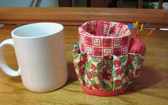 FlossieBlossoms: Giveaway Day! Coffee Mug Caddy...