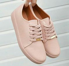 Crochet Shoes Women Fashion 62 New Ideas Trendy Shoes, Cute Shoes, Me Too Shoes, Casual Shoes, Shoe Boots, Shoes Sandals, Shoes Sneakers, Sneakers Fashion, Fashion Shoes