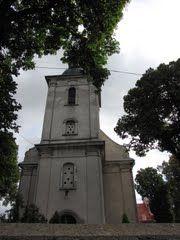 Sadki - kościół pw. Św. Wojciecha. Ufundowany przez Ród Bnińskich z Samostrzela w 1748 roku.