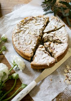 Get this easy recipe for Italian almond ricotta cake from the Clever Carrot.