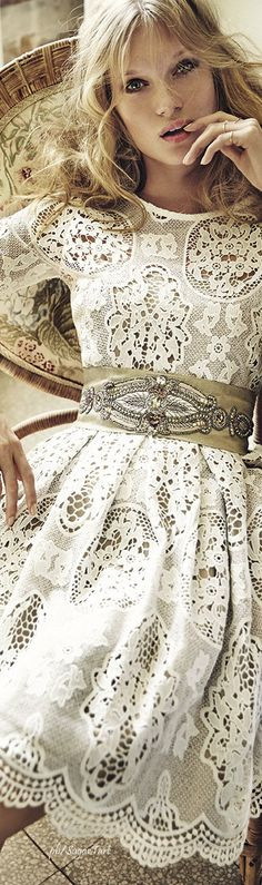 Matilde Cano - ABSOLUTELY GORGEOUS!! - THE BELT IS SIMPLY DIVINE!! - LOOKING SO BEAUTIFUL!!