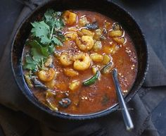Chingri Begun-er Tel Jhol: Spicy Shrimp Curry with Eggplants