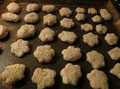 Τυροπιτάκια με φυτίνη! Από τις πιο παλιές μου συνταγές, τότε που τρώγαμε φυτίνη πριν βγούνε οι μαργαρίνες! Τα ξανα έφαγα σε μία φίλη...